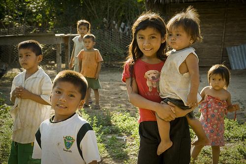 Children in El Piñal.