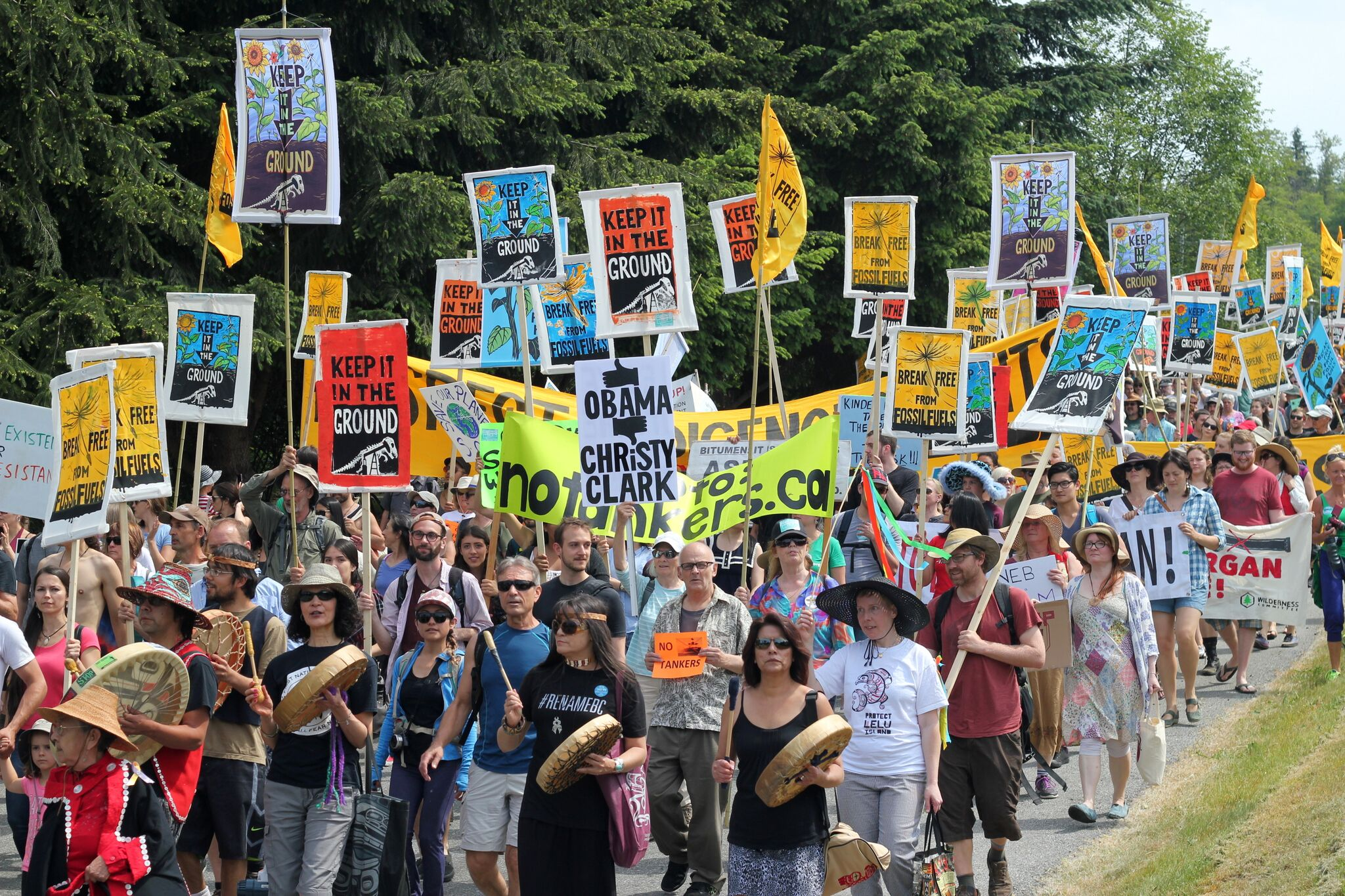 Hundreds of climate activists fight by land and sea to break free from fossil fu